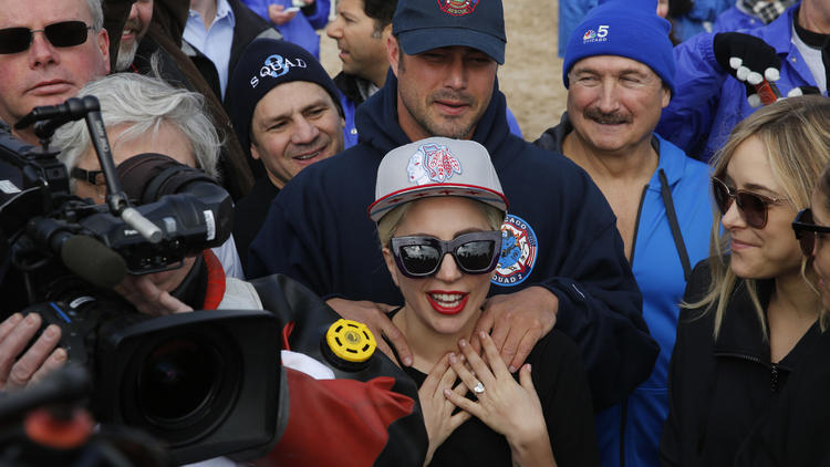 ct-lady-gaga-at-chicago-polar-plunge-20160306
